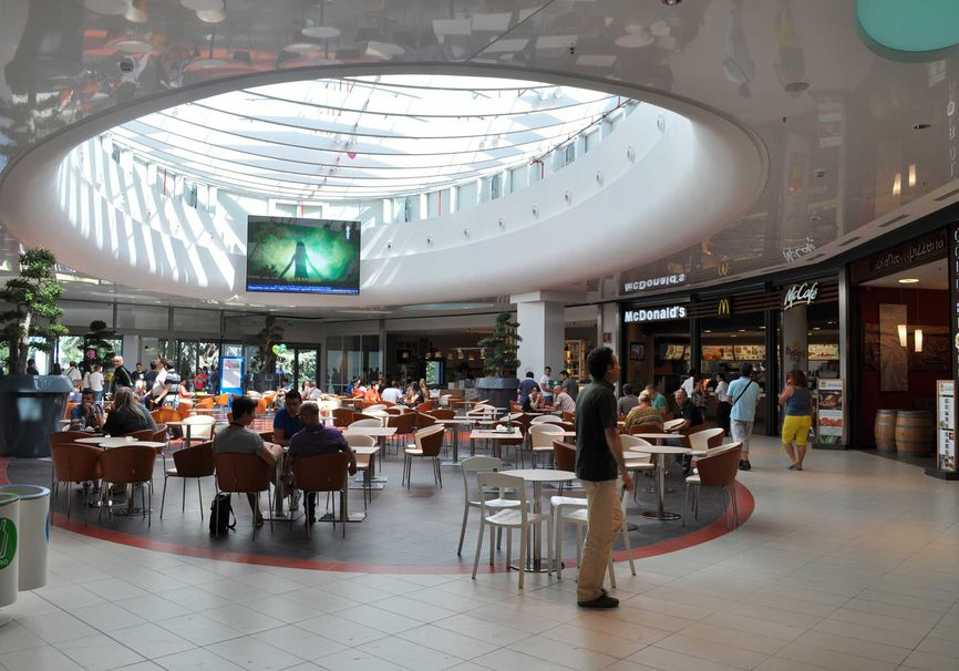 Shopping Centre La Cartiera